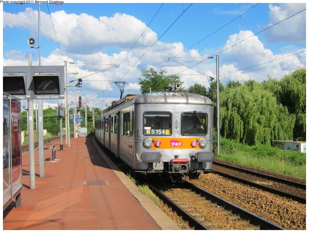 (370k, 1044x788)<br><b>Country:</b> France<br><b>City:</b> Paris<br><b>System:</b> SNCF/Transilien<br><b>Line:</b> Transilien H-Nord<br><b>Location:</b> Champ de courses d'Enghien<br><b>Car:</b>  Z 6154 <br><b>Photo by:</b> Bernard Chatreau<br><b>Date:</b> 6/11/2010<br><b>Viewed (this week/total):</b> 1 / 394