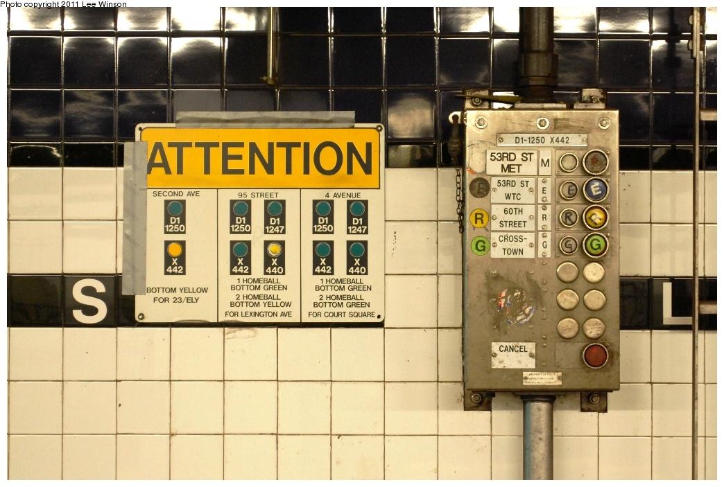 (304k, 1044x703)<br><b>Country:</b> United States<br><b>City:</b> New York<br><b>System:</b> New York City Transit<br><b>Line:</b> IND Queens Boulevard Line<br><b>Location:</b> Queens Plaza<br><b>Photo by:</b> Lee Winson<br><b>Date:</b> 11/26/2011<br><b>Notes:</b> Manhattan bound platform, route selection panel.<br><b>Viewed (this week/total):</b> 0 / 2087