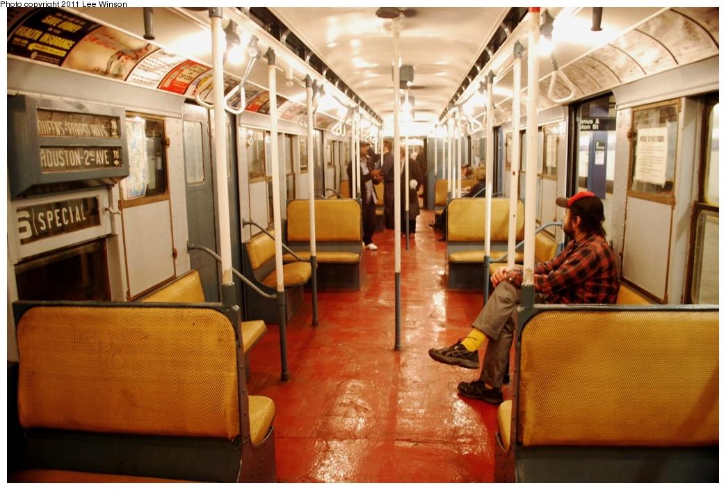 (306k, 1044x705)<br><b>Country:</b> United States<br><b>City:</b> New York<br><b>System:</b> New York City Transit<br><b>Route:</b> Fan Trip<br><b>Car:</b> R-6-3 (American Car & Foundry, 1935) 1000 <br><b>Photo by:</b> Lee Winson<br><b>Date:</b> 11/26/2011<br><b>Viewed (this week/total):</b> 2 / 2837