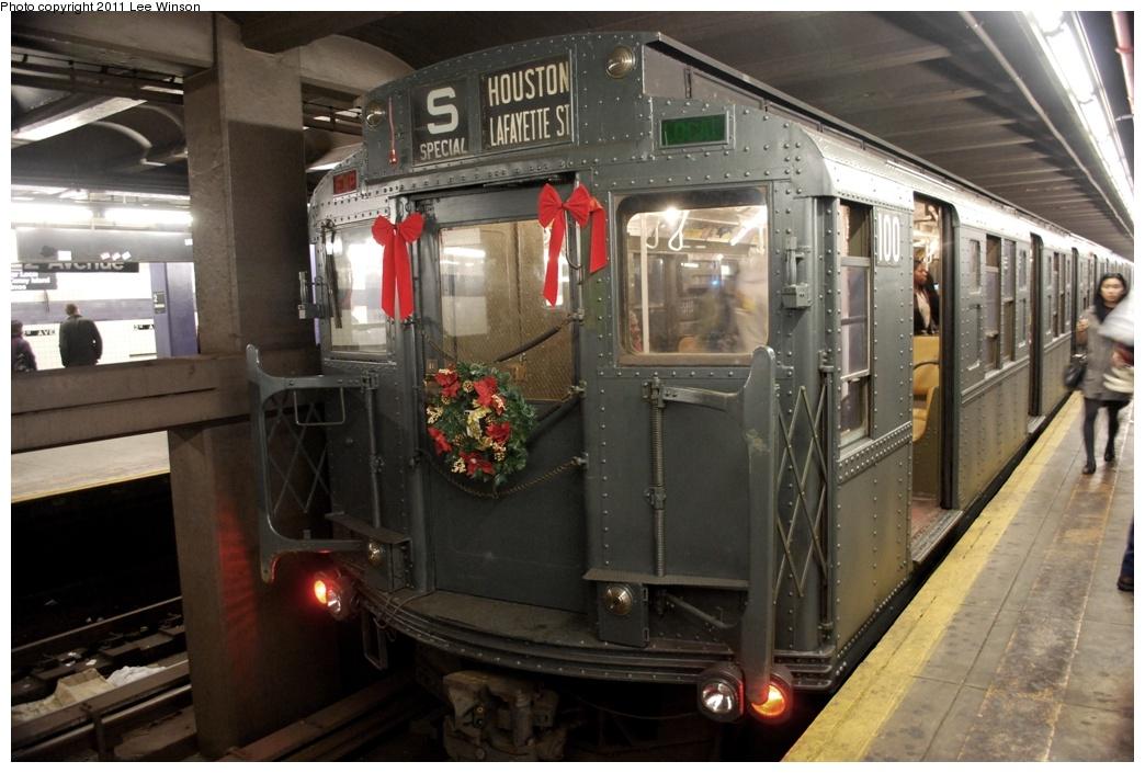 (285k, 1044x705)<br><b>Country:</b> United States<br><b>City:</b> New York<br><b>System:</b> New York City Transit<br><b>Line:</b> IND 6th Avenue Line<br><b>Location:</b> 2nd Avenue<br><b>Route:</b> Fan Trip<br><b>Car:</b> R-1 (American Car & Foundry, 1930-1931) 100 <br><b>Photo by:</b> Lee Winson<br><b>Date:</b> 11/26/2011<br><b>Viewed (this week/total):</b> 0 / 1376