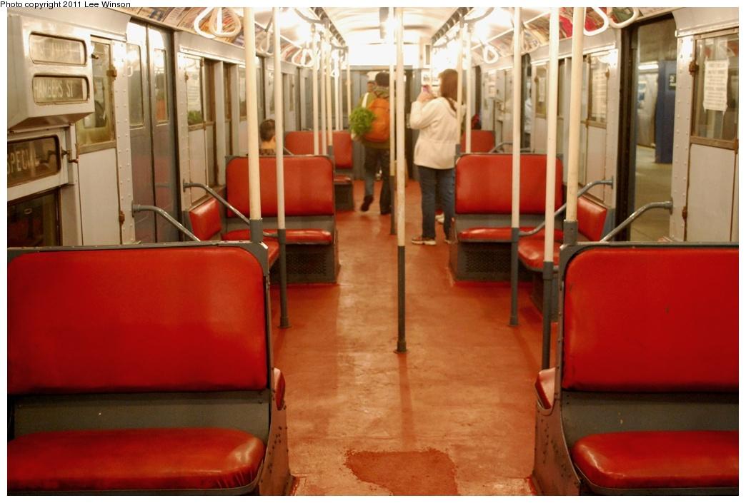 (252k, 1044x705)<br><b>Country:</b> United States<br><b>City:</b> New York<br><b>System:</b> New York City Transit<br><b>Route:</b> Fan Trip<br><b>Car:</b> R-4 (American Car & Foundry, 1932-1933) 401 <br><b>Photo by:</b> Lee Winson<br><b>Date:</b> 11/26/2011<br><b>Viewed (this week/total):</b> 1 / 2955