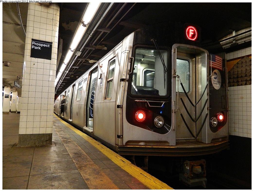 (406k, 1044x788)<br><b>Country:</b> United States<br><b>City:</b> New York<br><b>System:</b> New York City Transit<br><b>Line:</b> IND Crosstown Line<br><b>Location:</b> 15th Street/Prospect Park<br><b>Route:</b> F<br><b>Car:</b> R-160A (Option 2) (Alstom, 2009, 5-car sets) 9727 <br><b>Photo by:</b> Michael Hodurski<br><b>Date:</b> 1/12/2012<br><b>Viewed (this week/total):</b> 0 / 1599