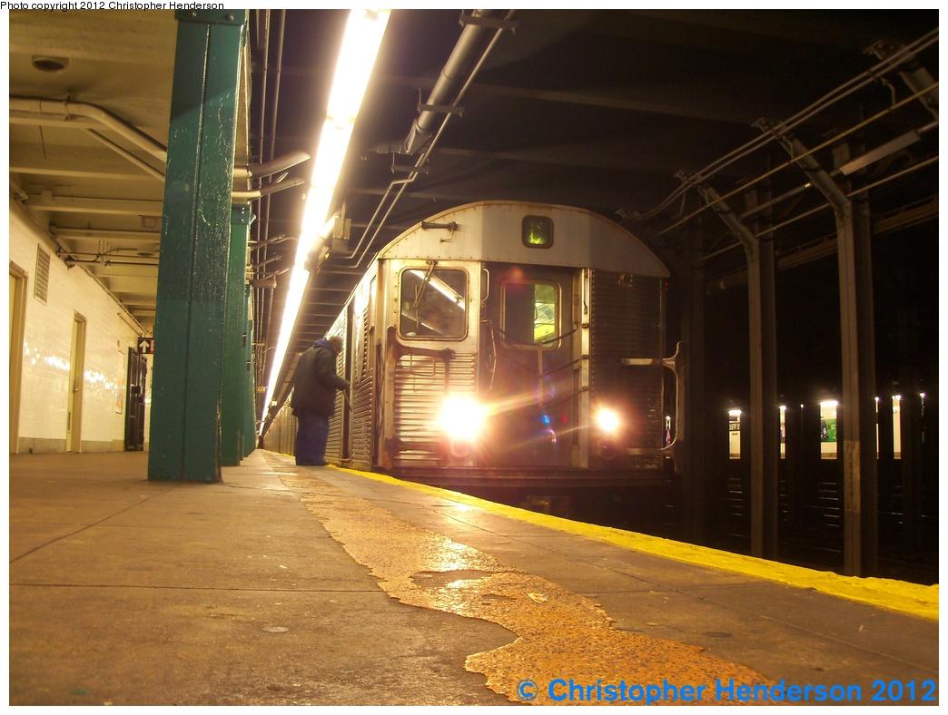 (282k, 1044x788)<br><b>Country:</b> United States<br><b>City:</b> New York<br><b>System:</b> New York City Transit<br><b>Line:</b> IND 8th Avenue Line<br><b>Location:</b> 135th Street<br><b>Route:</b> C<br><b>Car:</b> R-32 (Budd, 1964) 3354 <br><b>Photo by:</b> Christopher Henderson<br><b>Date:</b> 1/1/2012<br><b>Viewed (this week/total):</b> 1 / 2516