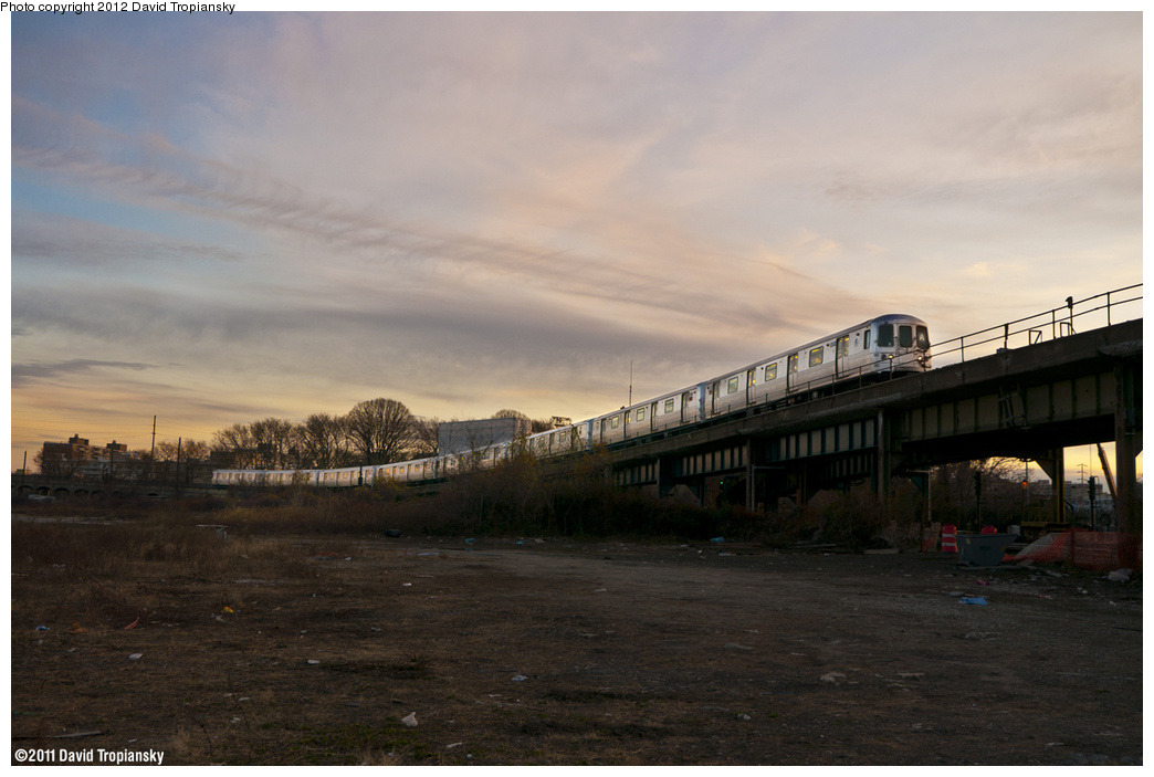 (273k, 1044x703)<br><b>Country:</b> United States<br><b>City:</b> New York<br><b>System:</b> New York City Transit<br><b>Line:</b> IND Rockaway Line<br><b>Location:</b> Hammels Wye<br><b>Route:</b> A<br><b>Car:</b> R-46 (Pullman-Standard, 1974-75)  <br><b>Photo by:</b> David Tropiansky<br><b>Date:</b> 11/26/2011<br><b>Viewed (this week/total):</b> 0 / 1815