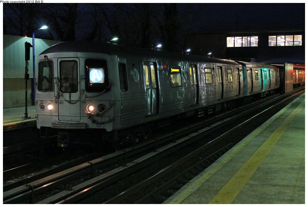 (309k, 1044x703)<br><b>Country:</b> United States<br><b>City:</b> New York<br><b>System:</b> New York City Transit<br><b>Line:</b> IND Rockaway Line<br><b>Location:</b> Broad Channel<br><b>Route:</b> A<br><b>Car:</b> R-46 (Pullman-Standard, 1974-75) 6056 <br><b>Photo by:</b> Bill E.<br><b>Date:</b> 11/26/2011<br><b>Viewed (this week/total):</b> 0 / 1605