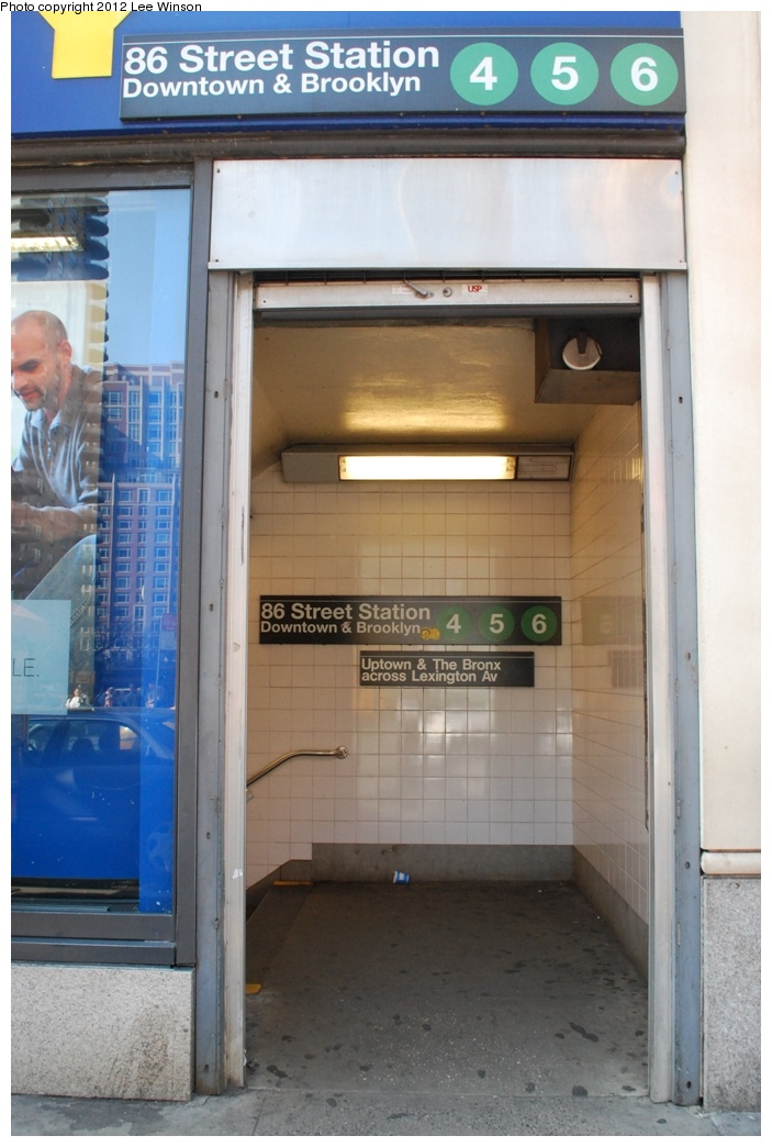 (255k, 703x1044)<br><b>Country:</b> United States<br><b>City:</b> New York<br><b>System:</b> New York City Transit<br><b>Line:</b> IRT East Side Line<br><b>Location:</b> 86th Street<br><b>Photo by:</b> Lee Winson<br><b>Date:</b> 3/18/2012<br><b>Notes:</b> IRT Lexington Ave, 86th Street downtown, street entrance.<br><b>Viewed (this week/total):</b> 0 / 1904