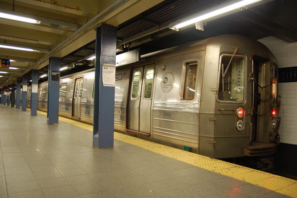 (313k, 1024x681)<br><b>Country:</b> United States<br><b>City:</b> New York<br><b>System:</b> New York City Transit<br><b>Line:</b> IND 8th Avenue Line<br><b>Location:</b> Chambers Street/World Trade Center<br><b>Route:</b> D reroute<br><b>Car:</b> R-68 (Westinghouse-Amrail, 1986-1988) 2558 <br><b>Photo by:</b> John Dooley<br><b>Date:</b> 3/28/2012<br><b>Viewed (this week/total):</b> 1 / 1218