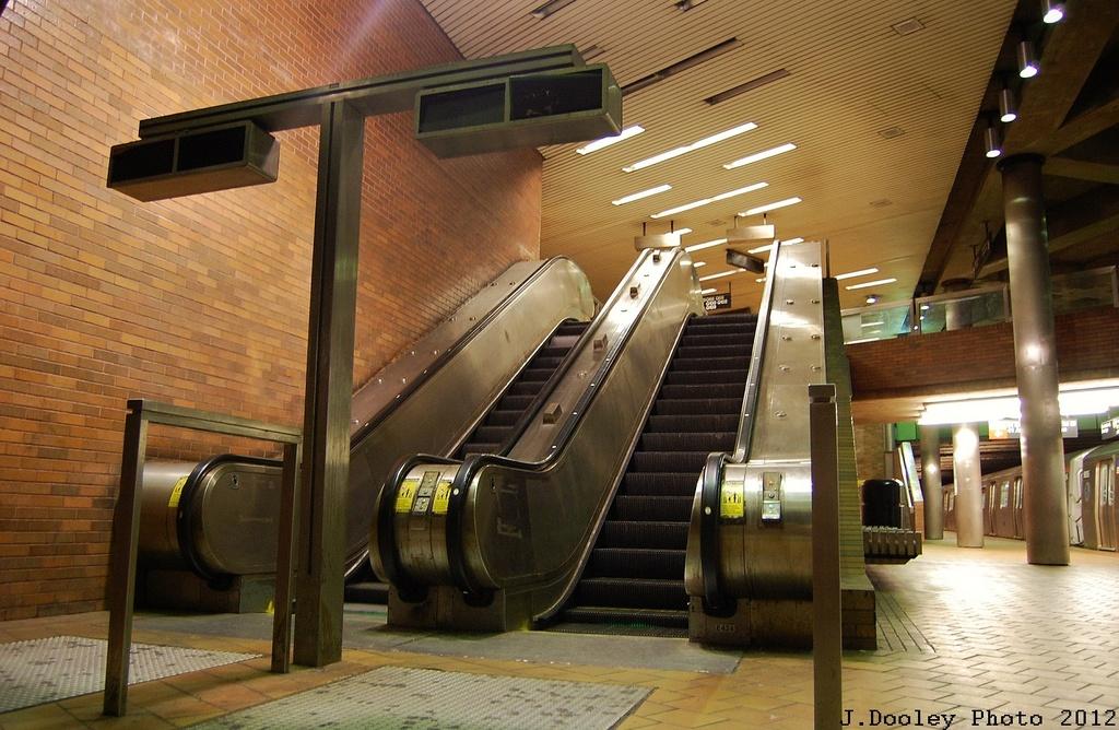 (345k, 1024x668)<br><b>Country:</b> United States<br><b>City:</b> New York<br><b>System:</b> New York City Transit<br><b>Line:</b> IND 63rd Street Line<br><b>Location:</b> 21st Street/Queensbridge<br><b>Photo by:</b> John Dooley<br><b>Date:</b> 2/29/2012<br><b>Viewed (this week/total):</b> 1 / 1720
