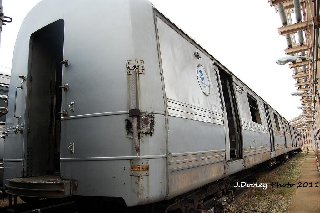 (283k, 1024x680)<br><b>Country:</b> United States<br><b>City:</b> New York<br><b>System:</b> New York City Transit<br><b>Location:</b> 207th Street Yard<br><b>Car:</b> R-44 (St. Louis, 1971-73) 5283 <br><b>Photo by:</b> John Dooley<br><b>Date:</b> 11/29/2011<br><b>Viewed (this week/total):</b> 4 / 3631
