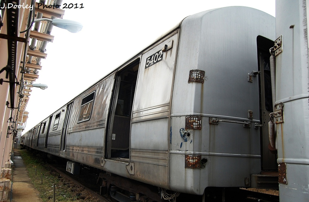 (290k, 1024x672)<br><b>Country:</b> United States<br><b>City:</b> New York<br><b>System:</b> New York City Transit<br><b>Location:</b> 207th Street Yard<br><b>Car:</b> R-44 (St. Louis, 1971-73) 5402 <br><b>Photo by:</b> John Dooley<br><b>Date:</b> 11/29/2011<br><b>Viewed (this week/total):</b> 3 / 3261