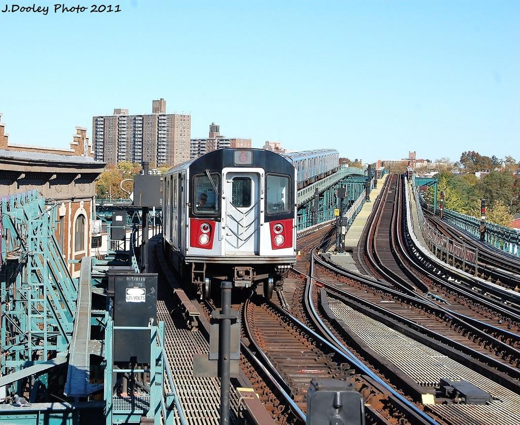 (477k, 1024x837)<br><b>Country:</b> United States<br><b>City:</b> New York<br><b>System:</b> New York City Transit<br><b>Line:</b> IRT Pelham Line<br><b>Location:</b> Westchester Square<br><b>Route:</b> 6<br><b>Car:</b> R-142A (Primary Order, Kawasaki, 1999-2002) 7401 <br><b>Photo by:</b> John Dooley<br><b>Date:</b> 11/5/2011<br><b>Viewed (this week/total):</b> 1 / 1291