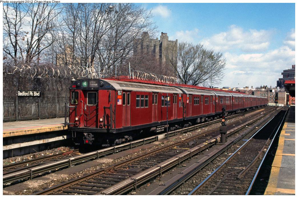 (513k, 1044x692)<br><b>Country:</b> United States<br><b>City:</b> New York<br><b>System:</b> New York City Transit<br><b>Line:</b> IRT Woodlawn Line<br><b>Location:</b> Bedford Park Boulevard<br><b>Route:</b> 4<br><b>Car:</b> R-33 Main Line (St. Louis, 1962-63) 9247 <br><b>Photo by:</b> Chao-Hwa Chen<br><b>Date:</b> 3/22/2002<br><b>Viewed (this week/total):</b> 0 / 1705