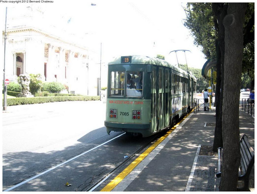 (295k, 1044x788)<br><b>Country:</b> Italy<br><b>City:</b> Rome<br><b>System:</b> ATAC<br><b>Location:</b> Viale della Belle Arti/Galleria Nazionale Arte Moderna<br><b>Route:</b> 19<br><b>Car:</b> Rome 6-Axle (Stanga, 1949-50) 7085 <br><b>Photo by:</b> Bernard Chatreau<br><b>Date:</b> 7/22/2009<br><b>Viewed (this week/total):</b> 1 / 441