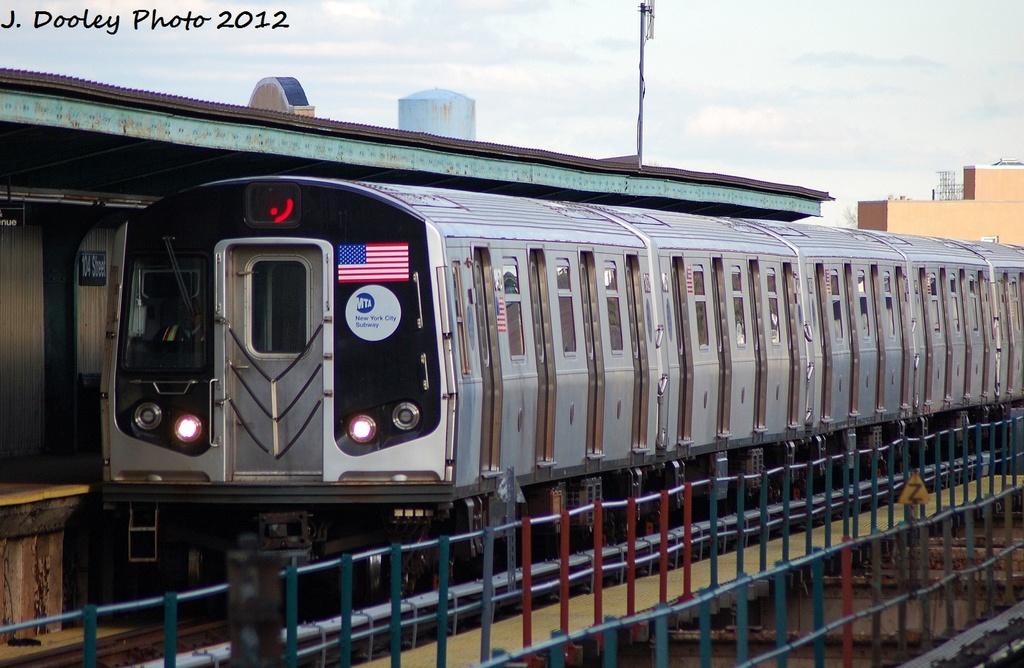 (307k, 1024x668)<br><b>Country:</b> United States<br><b>City:</b> New York<br><b>System:</b> New York City Transit<br><b>Line:</b> BMT Nassau Street-Jamaica Line<br><b>Location:</b> 102nd-104th Streets<br><b>Route:</b> J<br><b>Car:</b> R-160A-1 (Alstom, 2005-2008, 4 car sets) 8316 <br><b>Photo by:</b> John Dooley<br><b>Date:</b> 1/2/2012<br><b>Viewed (this week/total):</b> 3 / 1973