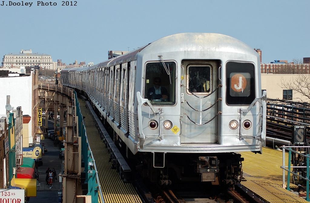 (344k, 1024x670)<br><b>Country:</b> United States<br><b>City:</b> New York<br><b>System:</b> New York City Transit<br><b>Line:</b> BMT Nassau Street-Jamaica Line<br><b>Location:</b> 121st Street<br><b>Route:</b> J<br><b>Car:</b> R-42 (St. Louis, 1969-1970)  <br><b>Photo by:</b> John Dooley<br><b>Date:</b> 3/23/2012<br><b>Viewed (this week/total):</b> 4 / 1909