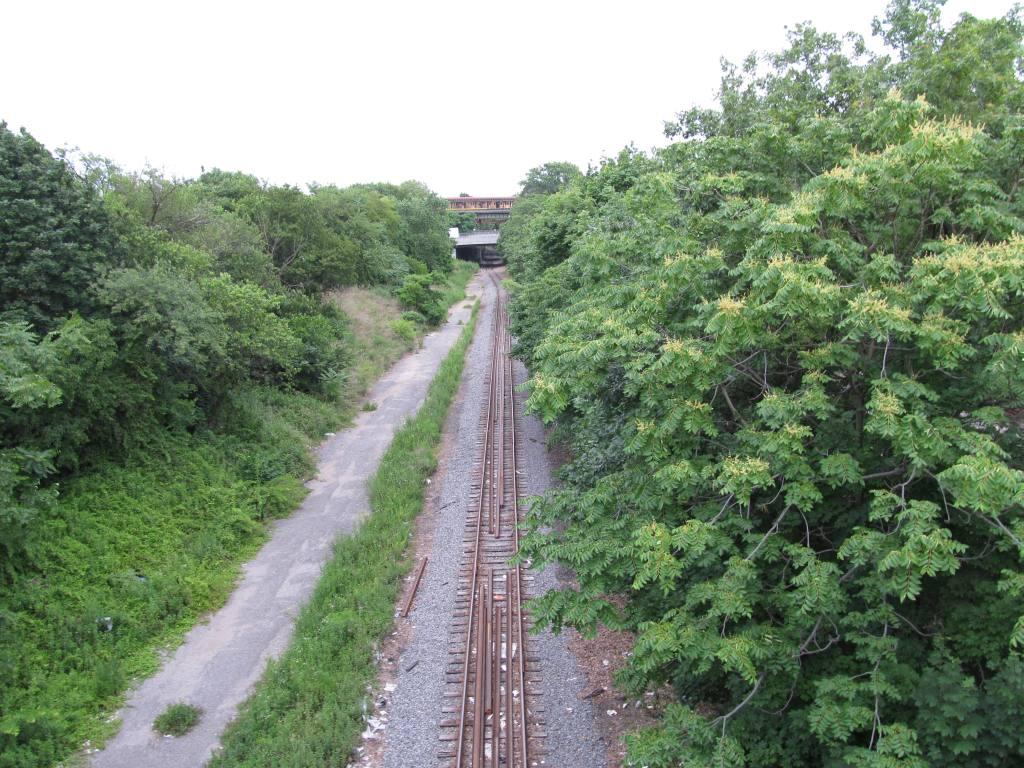 (171k, 1024x768)<br><b>Country:</b> United States<br><b>City:</b> New York<br><b>System:</b> New York City Transit<br><b>Line:</b> BMT West End Line<br><b>Location:</b> 62nd Street<br><b>Photo by:</b> Robbie Rosenfeld<br><b>Date:</b> 6/11/2012<br><b>Notes:</b> View of LIRR tracks from station.<br><b>Viewed (this week/total):</b> 3 / 1614