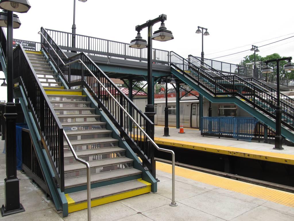 (145k, 1024x768)<br><b>Country:</b> United States<br><b>City:</b> New York<br><b>System:</b> New York City Transit<br><b>Line:</b> BMT West End Line<br><b>Location:</b> 9th Avenue<br><b>Photo by:</b> Robbie Rosenfeld<br><b>Date:</b> 6/11/2012<br><b>Viewed (this week/total):</b> 5 / 1456