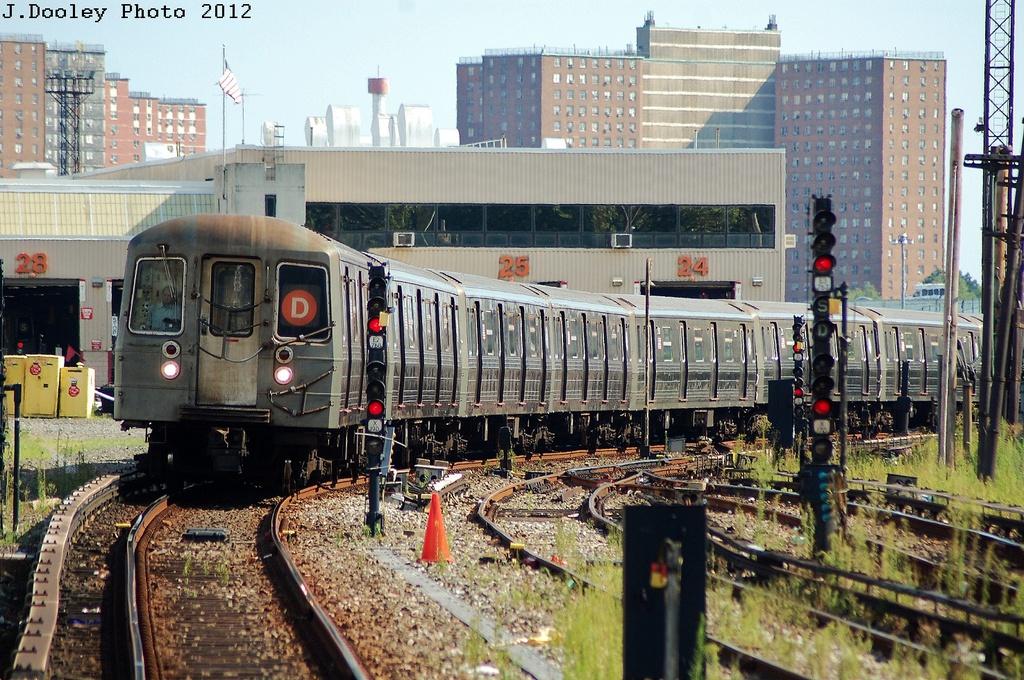 (420k, 1024x680)<br><b>Country:</b> United States<br><b>City:</b> New York<br><b>System:</b> New York City Transit<br><b>Line:</b> BMT Sea Beach Line<br><b>Location:</b> 86th Street<br><b>Route:</b> D reroute<br><b>Car:</b> R-68 (Westinghouse-Amrail, 1986-1988) 2748 <br><b>Photo by:</b> John Dooley<br><b>Date:</b> 7/29/2012<br><b>Viewed (this week/total):</b> 0 / 2735