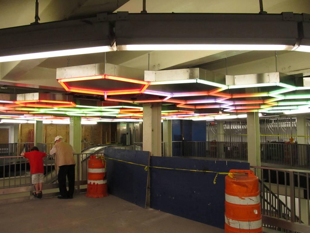 (98k, 1024x768)<br><b>Country:</b> United States<br><b>City:</b> New York<br><b>System:</b> New York City Transit<br><b>Line:</b> IRT East Side Line<br><b>Location:</b> Bleecker Street<br><b>Photo by:</b> Robbie Rosenfeld<br><b>Date:</b> 7/22/2012<br><b>Artwork:</b> <i>Hive</i>, Leo Villareal, 2012<br><b>Viewed (this week/total):</b> 4 / 2586