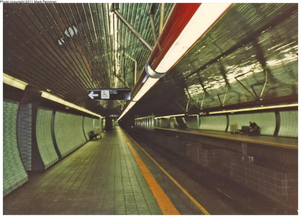 (339k, 1044x756)<br><b>Country:</b> United States<br><b>City:</b> New York<br><b>System:</b> New York City Transit<br><b>Line:</b> IND 63rd Street Line<br><b>Location:</b> Roosevelt Island<br><b>Photo by:</b> Mark S. Feinman<br><b>Date:</b> 1989<br><b>Viewed (this week/total):</b> 1 / 1664
