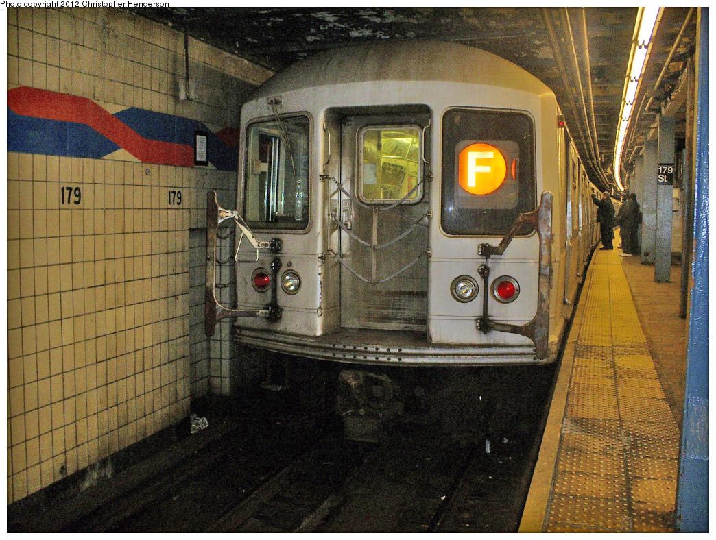 (322k, 1044x788)<br><b>Country:</b> United States<br><b>City:</b> New York<br><b>System:</b> New York City Transit<br><b>Line:</b> IND Queens Boulevard Line<br><b>Location:</b> 179th Street<br><b>Route:</b> F<br><b>Car:</b> R-40M (St. Louis, 1969) 4533 <br><b>Photo by:</b> Christopher Henderson<br><b>Date:</b> 2/14/2009<br><b>Viewed (this week/total):</b> 4 / 1737
