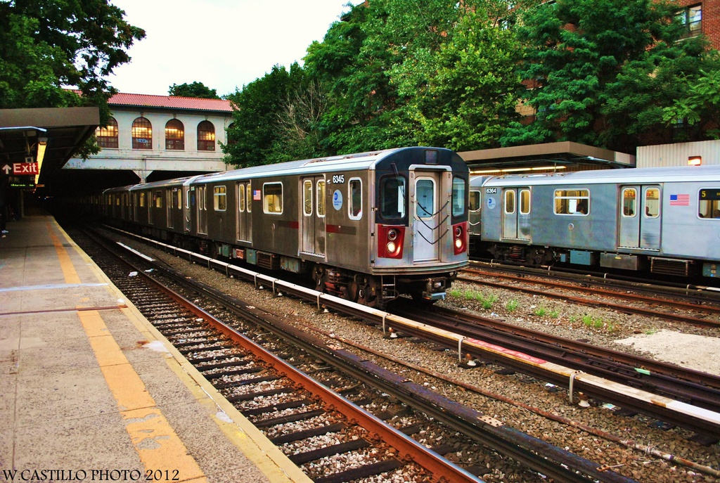 (441k, 1024x687)<br><b>Country:</b> United States<br><b>City:</b> New York<br><b>System:</b> New York City Transit<br><b>Line:</b> IRT Dyre Ave. Line<br><b>Location:</b> Morris Park<br><b>Route:</b> Not in service<br><b>Car:</b> R-142 (Primary Order, Bombardier, 1999-2002) 6345 <br><b>Photo by:</b> Wilfredo Castillo<br><b>Date:</b> 8/14/2012<br><b>Viewed (this week/total):</b> 0 / 1915