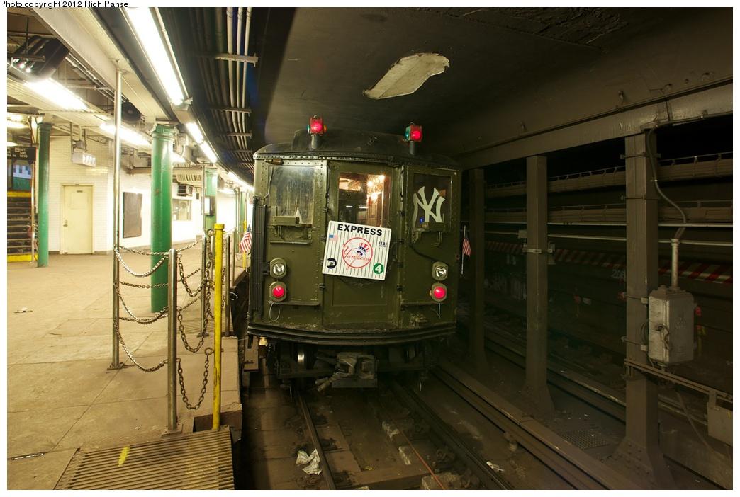 (253k, 1044x702)<br><b>Country:</b> United States<br><b>City:</b> New York<br><b>System:</b> New York City Transit<br><b>Line:</b> IRT West Side Line<br><b>Location:</b> South Ferry (Outer Loop Station)<br><b>Route:</b> Fan Trip<br><b>Car:</b> Low-V (Museum Train) 5292 <br><b>Photo by:</b> Richard Panse<br><b>Date:</b> 10/13/2012<br><b>Viewed (this week/total):</b> 0 / 2945