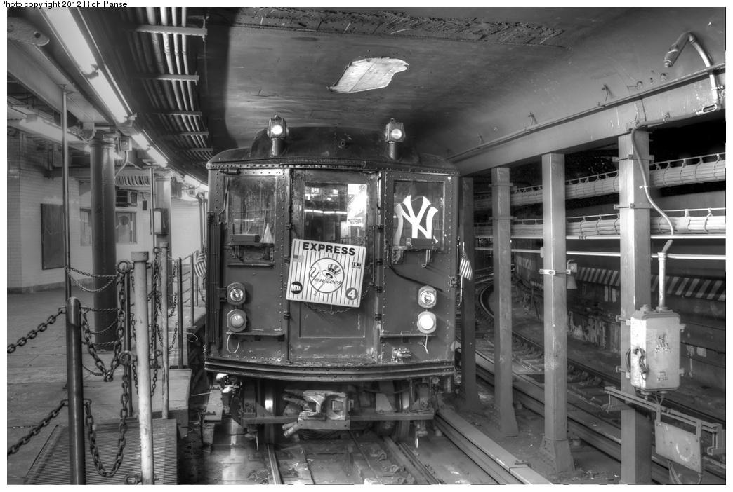 (255k, 1044x702)<br><b>Country:</b> United States<br><b>City:</b> New York<br><b>System:</b> New York City Transit<br><b>Line:</b> IRT West Side Line<br><b>Location:</b> South Ferry (Outer Loop Station)<br><b>Route:</b> Fan Trip<br><b>Car:</b> Low-V (Museum Train) 5292 <br><b>Photo by:</b> Richard Panse<br><b>Date:</b> 10/13/2012<br><b>Viewed (this week/total):</b> 1 / 3362
