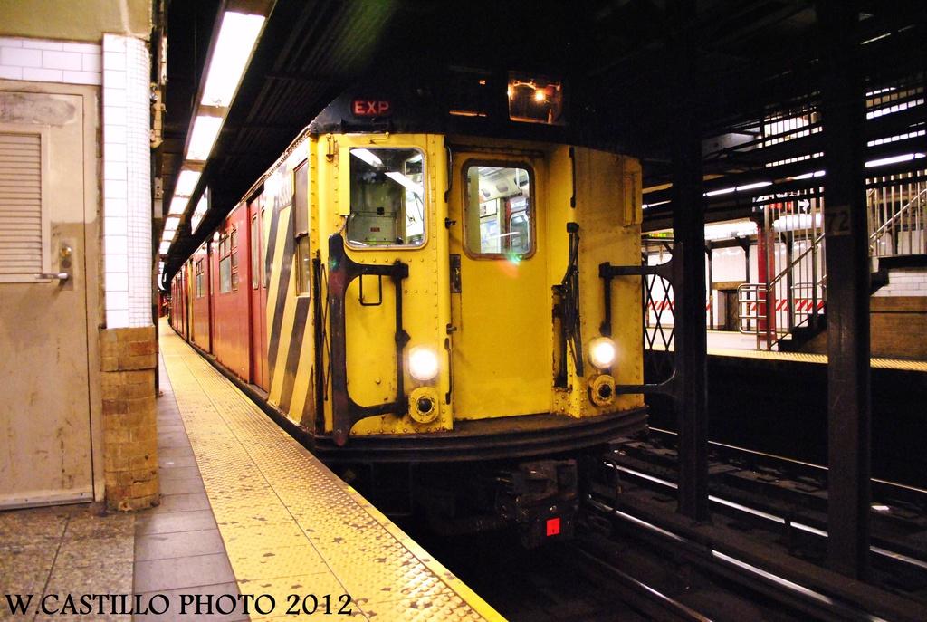 (326k, 1024x687)<br><b>Country:</b> United States<br><b>City:</b> New York<br><b>System:</b> New York City Transit<br><b>Line:</b> IRT West Side Line<br><b>Location:</b> 72nd Street<br><b>Route:</b> Work Service<br><b>Car:</b> R-33 World's Fair (St. Louis, 1963-64) 9330 <br><b>Photo by:</b> Wilfredo Castillo<br><b>Date:</b> 10/14/2012<br><b>Viewed (this week/total):</b> 4 / 2050
