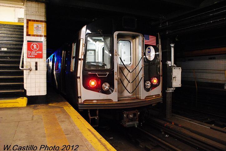 (98k, 724x486)<br><b>Country:</b> United States<br><b>City:</b> New York<br><b>System:</b> New York City Transit<br><b>Line:</b> IND Crosstown Line<br><b>Location:</b> 7th Avenue/Park Slope<br><b>Route:</b> Layup<br><b>Car:</b> R-160A/R-160B Series (Number Unknown)  <br><b>Photo by:</b> Wilfredo Castillo<br><b>Date:</b> 11/13/2012<br><b>Viewed (this week/total):</b> 0 / 1770