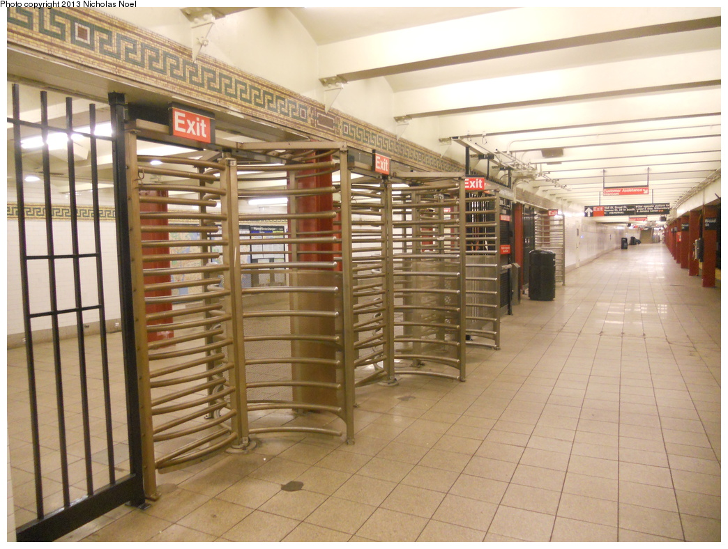 (390k, 1044x788)<br><b>Country:</b> United States<br><b>City:</b> New York<br><b>System:</b> New York City Transit<br><b>Line:</b> BMT Nassau Street-Jamaica Line<br><b>Location:</b> Broad Street<br><b>Photo by:</b> Nicholas Noel<br><b>Date:</b> 2/15/2013<br><b>Viewed (this week/total):</b> 0 / 1504