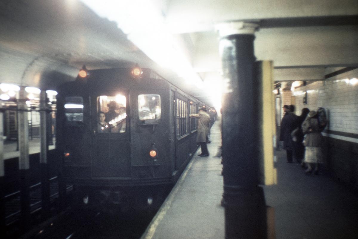 (337k, 1200x800)<br><b>Country:</b> United States<br><b>City:</b> New York<br><b>System:</b> New York City Transit<br><b>Line:</b> IRT White Plains Road Line<br><b>Location:</b> 3rd Avenue/149th Street<br><b>Car:</b> Low-V  <br><b>Collection of:</b> David Pirmann<br><b>Viewed (this week/total):</b> 6 / 3566