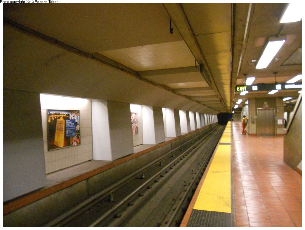 (279k, 1044x788)<br><b>Country:</b> United States<br><b>City:</b> San Francisco/Bay Area, CA<br><b>System:</b> BART<br><b>Location:</b> 16th Street/Mission<br><b>Photo by:</b> Roberto C. Tobar<br><b>Date:</b> 4/8/2012<br><b>Viewed (this week/total):</b> 5 / 681