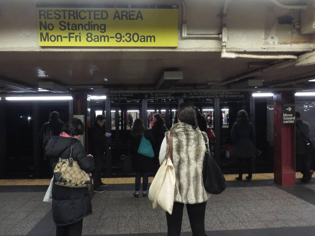 (100k, 1024x768)<br><b>Country:</b> United States<br><b>City:</b> New York<br><b>System:</b> New York City Transit<br><b>Line:</b> IND 8th Avenue Line<br><b>Location:</b> 34th Street/Penn Station<br><b>Photo by:</b> Robbie Rosenfeld<br><b>Date:</b> 1/15/2014<br><b>Viewed (this week/total):</b> 1 / 1623
