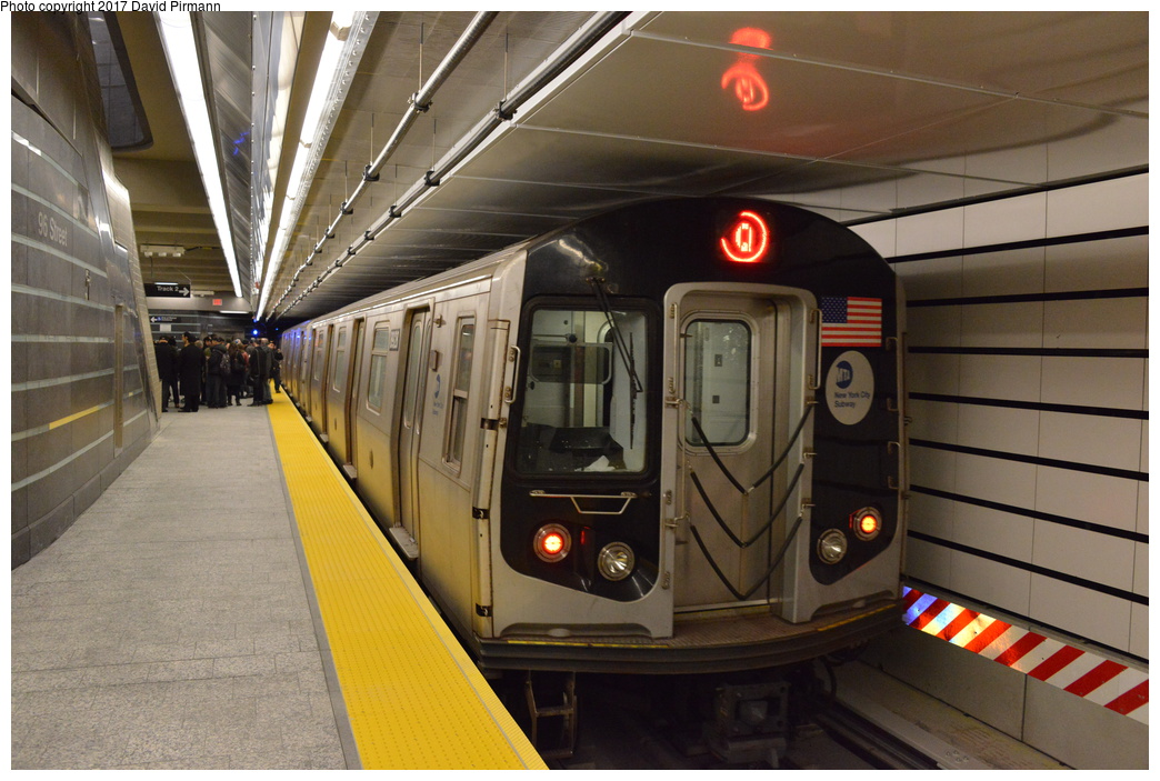 (285k, 1044x703)<br><b>Country:</b> United States<br><b>City:</b> New York<br><b>System:</b> New York City Transit<br><b>Line:</b> 2nd Avenue Subway<br><b>Location:</b> 96th Street<br><b>Route:</b> Q<br><b>Car:</b> R-160B (Kawasaki, 2005-2008) 8928 <br><b>Photo by:</b> David Pirmann<br><b>Date:</b> 1/1/2017<br><b>Viewed (this week/total):</b> 1 / 1275