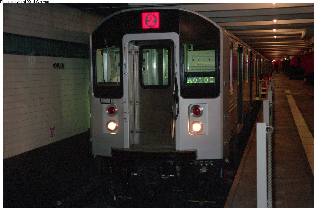 (385k, 1044x695)<br><b>Country:</b> United States<br><b>City:</b> New York<br><b>System:</b> New York City Transit<br><b>Location:</b> New York Transit Museum<br><b>Car:</b> R-110A (Kawasaki, 1992) 8006 <br><b>Photo by:</b> Gin Yee<br><b>Date:</b> 11/1992<br><b>Viewed (this week/total):</b> 3 / 2937