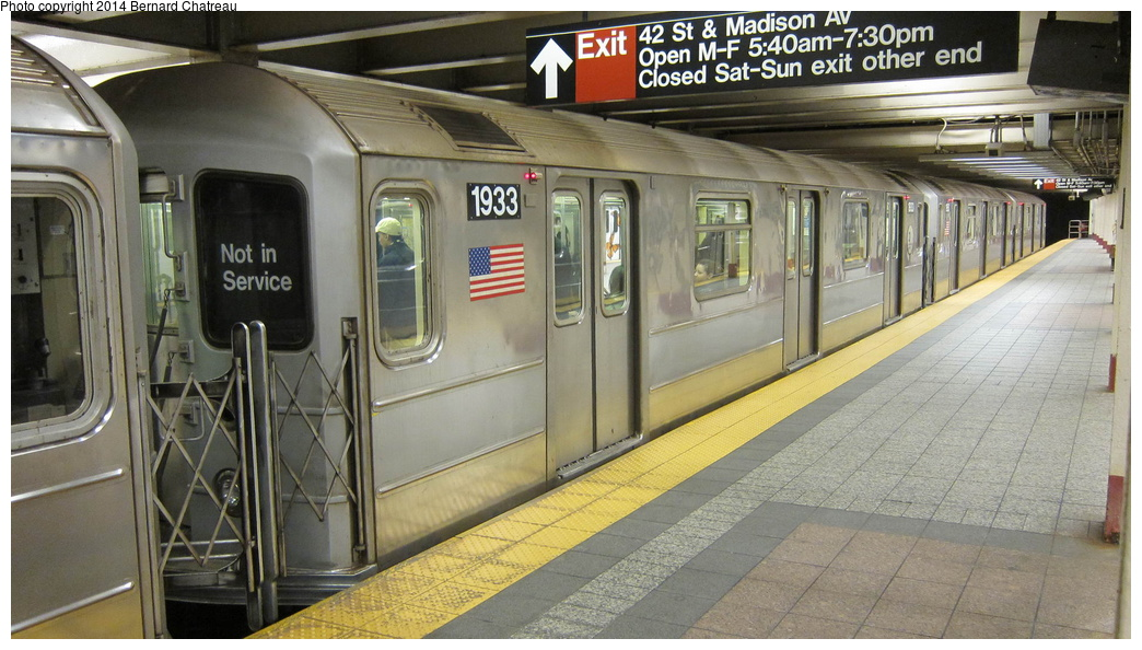 (283k, 1044x594)<br><b>Country:</b> United States<br><b>City:</b> New York<br><b>System:</b> New York City Transit<br><b>Line:</b> IRT Times Square-Grand Central Shuttle<br><b>Location:</b> Grand Central<br><b>Route:</b> S<br><b>Car:</b> R-62A (Bombardier, 1984-1987) 1933 <br><b>Photo by:</b> Bernard Chatreau<br><b>Date:</b> 4/8/2011<br><b>Viewed (this week/total):</b> 8 / 1105