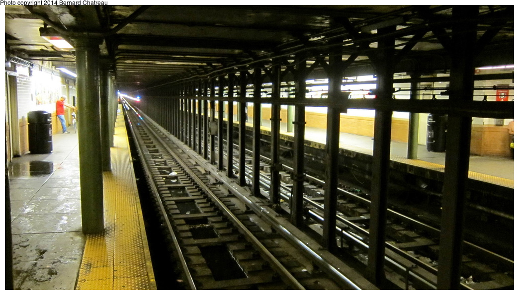(270k, 1044x594)<br><b>Country:</b> United States<br><b>City:</b> New York<br><b>System:</b> New York City Transit<br><b>Line:</b> IRT Lenox Avenue Line<br><b>Location:</b> 116th Street<br><b>Photo by:</b> Bernard Chatreau<br><b>Date:</b> 9/23/2011<br><b>Viewed (this week/total):</b> 0 / 1741