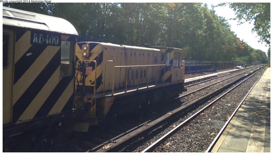 (255k, 1044x596)<br><b>Country:</b> United States<br><b>City:</b> New York<br><b>System:</b> New York City Transit<br><b>Line:</b> IRT Dyre Ave. Line<br><b>Location:</b> Baychester Avenue<br><b>Route:</b> Work Service<br><b>Car:</b> R-52 Locomotive 72 <br><b>Photo by:</b> Nicholas Noel<br><b>Date:</b> 10/14/2014<br><b>Viewed (this week/total):</b> 1 / 1169