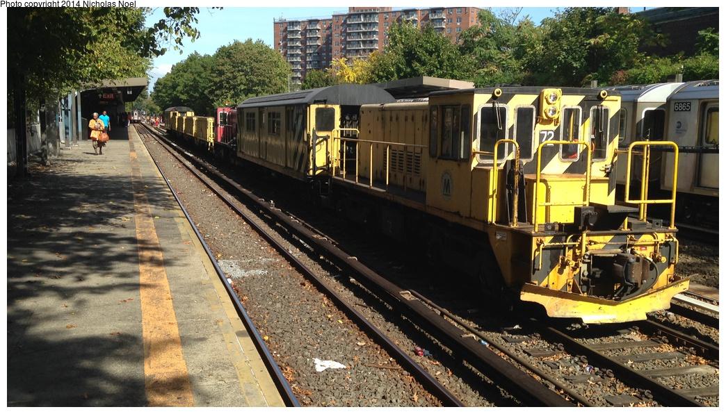 (335k, 1044x596)<br><b>Country:</b> United States<br><b>City:</b> New York<br><b>System:</b> New York City Transit<br><b>Line:</b> IRT Dyre Ave. Line<br><b>Location:</b> Baychester Avenue<br><b>Route:</b> Work Service<br><b>Car:</b> R-52 Locomotive 72 <br><b>Photo by:</b> Nicholas Noel<br><b>Date:</b> 10/14/2014<br><b>Viewed (this week/total):</b> 8 / 1174