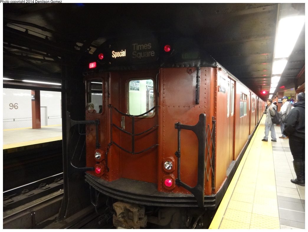 (304k, 1044x788)<br><b>Country:</b> United States<br><b>City:</b> New York<br><b>System:</b> New York City Transit<br><b>Line:</b> IRT West Side Line<br><b>Location:</b> 96th Street<br><b>Route:</b> Museum Train Service<br><b>Car:</b> R-36 World's Fair (St. Louis, 1963-64) 9587 <br><b>Photo by:</b> Denilson Gomez<br><b>Date:</b> 10/26/2014<br><b>Viewed (this week/total):</b> 0 / 1729