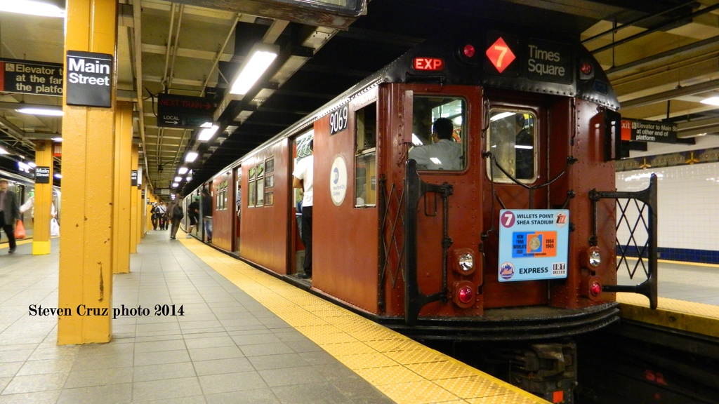 (248k, 1024x576)<br><b>Country:</b> United States<br><b>City:</b> New York<br><b>System:</b> New York City Transit<br><b>Line:</b> IRT Flushing Line<br><b>Location:</b> Main Street/Flushing<br><b>Route:</b> Museum Train Service (7)<br><b>Car:</b> R-33 Main Line (St. Louis, 1962-63) 9069 <br><b>Photo by:</b> Steven Cruz<br><b>Date:</b> 5/17/2014<br><b>Viewed (this week/total):</b> 0 / 2136