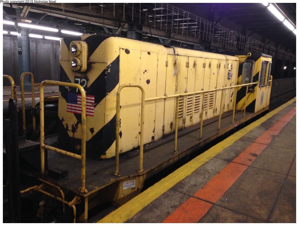 (286k, 1044x788)<br><b>Country:</b> United States<br><b>City:</b> New York<br><b>System:</b> New York City Transit<br><b>Line:</b> IRT Dyre Ave. Line<br><b>Location:</b> Pelham Parkway<br><b>Route:</b> Work Service<br><b>Car:</b> R-52 Locomotive 72 <br><b>Photo by:</b> Nicholas Noel<br><b>Date:</b> 10/14/2014<br><b>Viewed (this week/total):</b> 19 / 1117