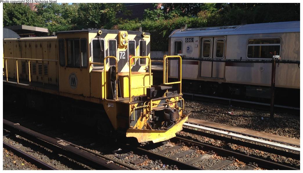 (274k, 1044x596)<br><b>Country:</b> United States<br><b>City:</b> New York<br><b>System:</b> New York City Transit<br><b>Line:</b> IRT Dyre Ave. Line<br><b>Location:</b> Baychester Avenue<br><b>Route:</b> Work Service<br><b>Car:</b> R-52 Locomotive 72 <br><b>Photo by:</b> Nicholas Noel<br><b>Date:</b> 10/14/2014<br><b>Viewed (this week/total):</b> 6 / 1111