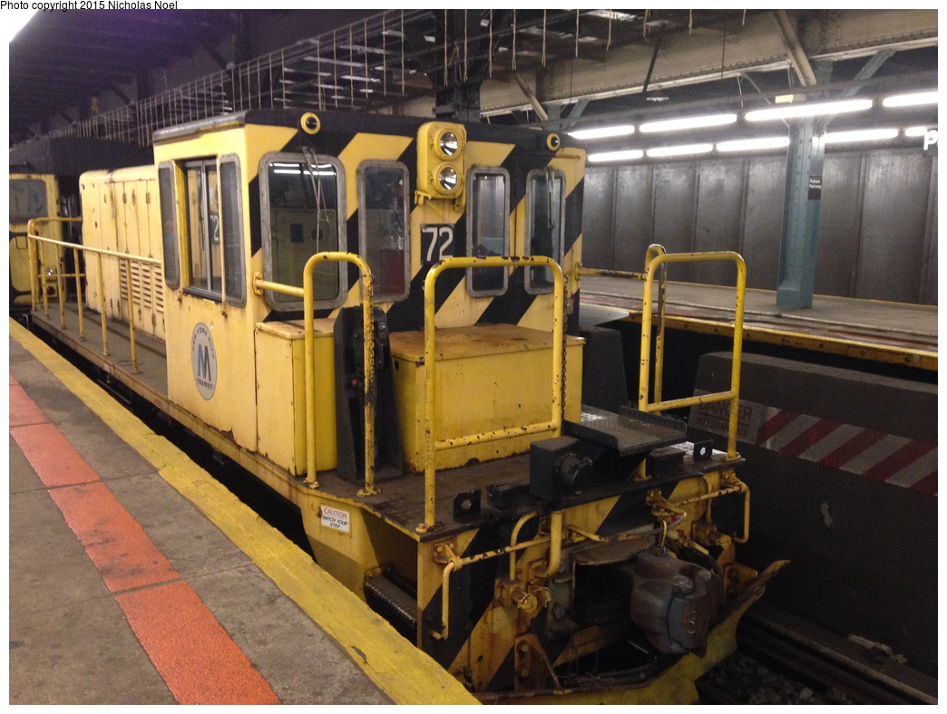 (317k, 1044x788)<br><b>Country:</b> United States<br><b>City:</b> New York<br><b>System:</b> New York City Transit<br><b>Line:</b> IRT Dyre Ave. Line<br><b>Location:</b> Pelham Parkway<br><b>Route:</b> Work Service<br><b>Car:</b> R-52 Locomotive 72 <br><b>Photo by:</b> Nicholas Noel<br><b>Date:</b> 10/14/2014<br><b>Viewed (this week/total):</b> 2 / 1271