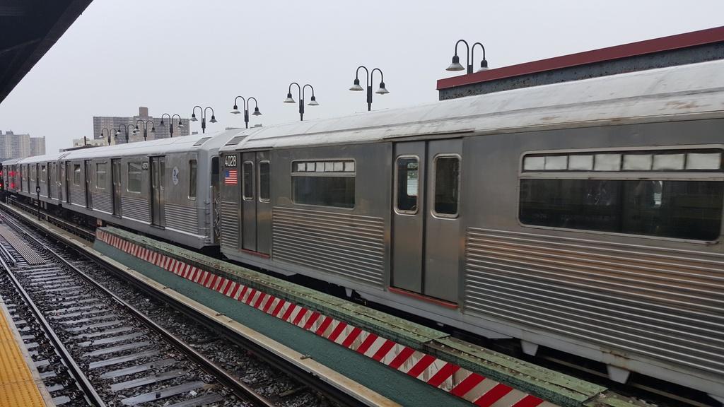 (224k, 1024x576)<br><b>Country:</b> United States<br><b>City:</b> New York<br><b>System:</b> New York City Transit<br><b>Line:</b> BMT Brighton Line<br><b>Location:</b> Brighton Beach<br><b>Route:</b> Museum Train Service<br><b>Car:</b> R-38 (St. Louis, 1966-1967) 4029 <br><b>Photo by:</b> John Dooley<br><b>Date:</b> 6/27/2015<br><b>Viewed (this week/total):</b> 2 / 1516