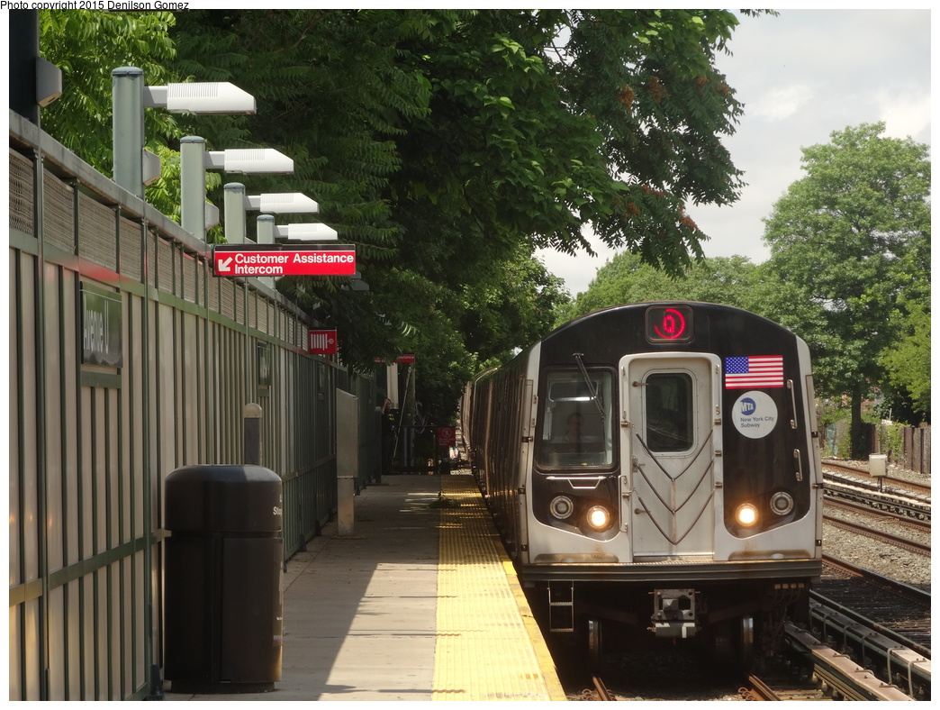 (399k, 1044x788)<br><b>Country:</b> United States<br><b>City:</b> New York<br><b>System:</b> New York City Transit<br><b>Line:</b> BMT Brighton Line<br><b>Location:</b> Avenue U<br><b>Route:</b> Q<br><b>Car:</b> R-160A/R-160B Series (Number Unknown)  <br><b>Photo by:</b> Denilson Gomez<br><b>Date:</b> 6/28/2015<br><b>Viewed (this week/total):</b> 0 / 1431