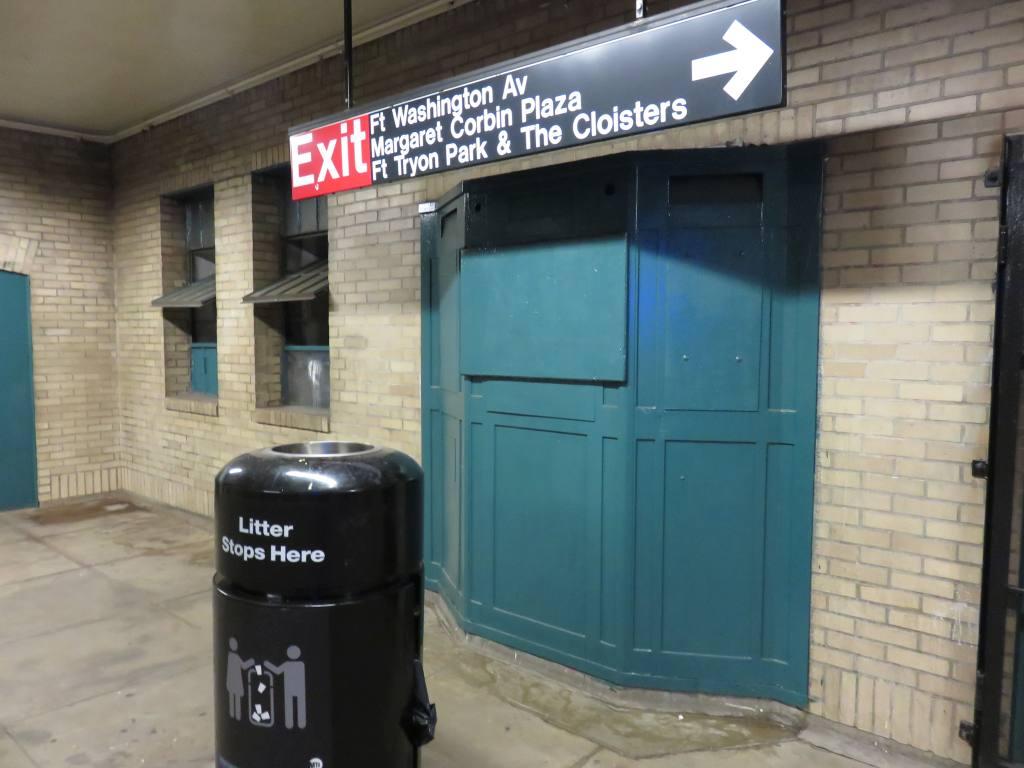 (99k, 1024x768)<br><b>Country:</b> United States<br><b>City:</b> New York<br><b>System:</b> New York City Transit<br><b>Line:</b> IND 8th Avenue Line<br><b>Location:</b> 190th Street/Overlook Terrace<br><b>Photo by:</b> Robbie Rosenfeld<br><b>Date:</b> 8/9/2015<br><b>Notes:</b> Old booth<br><b>Viewed (this week/total):</b> 0 / 1245