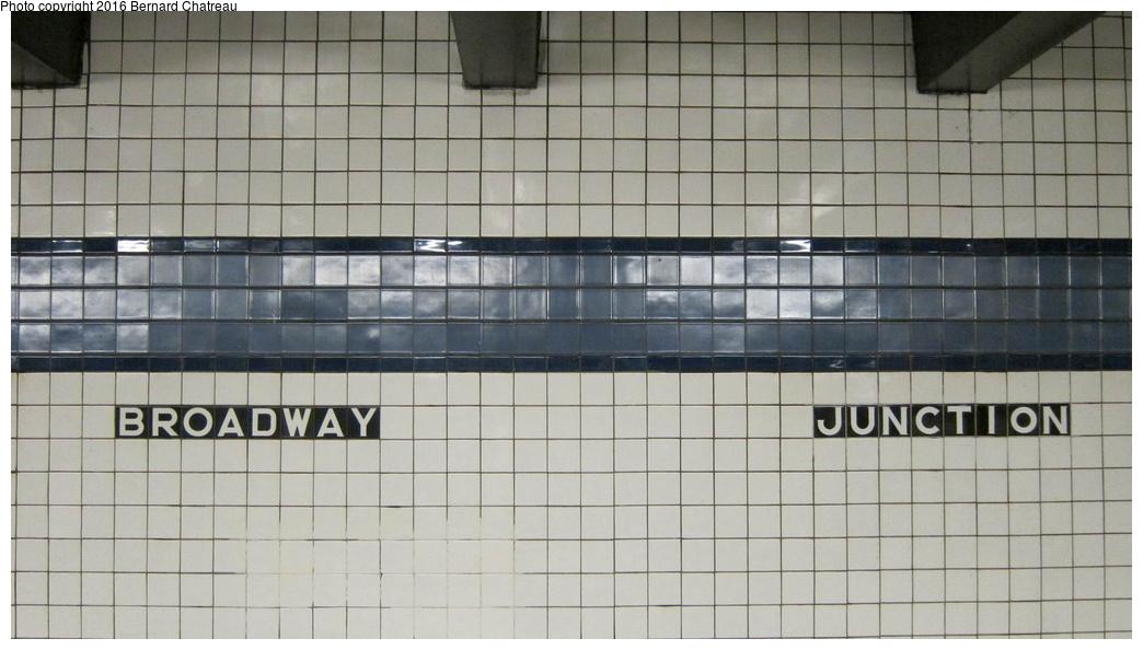 (221k, 1044x594)<br><b>Country:</b> United States<br><b>City:</b> New York<br><b>System:</b> New York City Transit<br><b>Line:</b> IND Fulton Street Line<br><b>Location:</b> Broadway-East New York (Broadway Junction)<br><b>Photo by:</b> Bernard Chatreau<br><b>Date:</b> 9/25/2011<br><b>Viewed (this week/total):</b> 4 / 1042