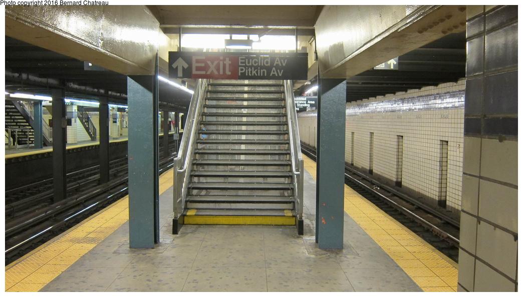 (263k, 1044x594)<br><b>Country:</b> United States<br><b>City:</b> New York<br><b>System:</b> New York City Transit<br><b>Line:</b> IND Fulton Street Line<br><b>Location:</b> Euclid Avenue<br><b>Photo by:</b> Bernard Chatreau<br><b>Date:</b> 9/25/2011<br><b>Viewed (this week/total):</b> 0 / 856